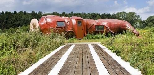比利时佛贝克基金会雕塑公园内的肛门旅馆